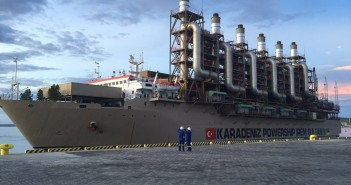 The Karadeniz powership in Nacala port.