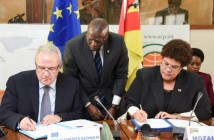 Nyeleti Mondlane, right, signing an EU aid package for Mozambique, November 2015