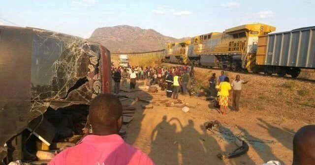 The crash scene near Cuamba. Source: Cuamba Community Radio Facebook page