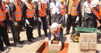 Minister Letícia Deusina da Silva Klemens laying the first stone of the CTM project. Photo: EDM