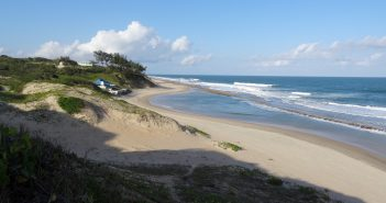 Praia Velha beach at Xai-Xai. Photo © Ton Rulkens via Flickr