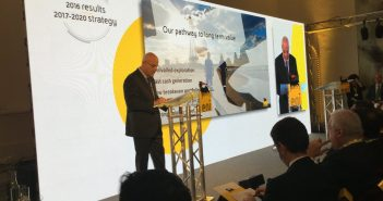 Eni CEO Claudio Descalzi presenting the company's annual results on 1 March 2017. Photo: twitter.com/eni