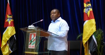 Filipe Nyusi addressing the Frelimo parliamentary party, 27 February 2017. Photo © Alexandre Nhampossa / Zitamar News