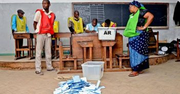 Counting underway at a Mozambican election. Photo © DPA