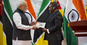 Indian Prime Minister Narendra Modi meeting Filipe Nyusi in Maputo in 2016. Photo © Timothy Haccius / Zitamar News