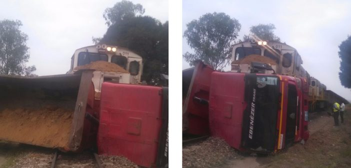 Vale coal train hits lorry at level crossing in Sofala