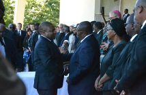 President Filipe Nyusi with Renamo interim leader Ossufo Momade at the funeral of Afonso Dhlakama in Beira, 9 May 2018