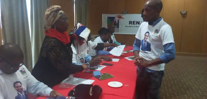 MDM members switch allegiances to Renamo in Maputo, 29 June 2018. Photo © Euclides Flavio / Zitamar News