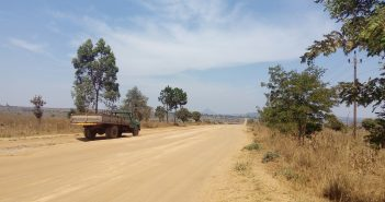 An unpaved road in Tete province. Photo: Eva Fritzbøger/Zitamar News