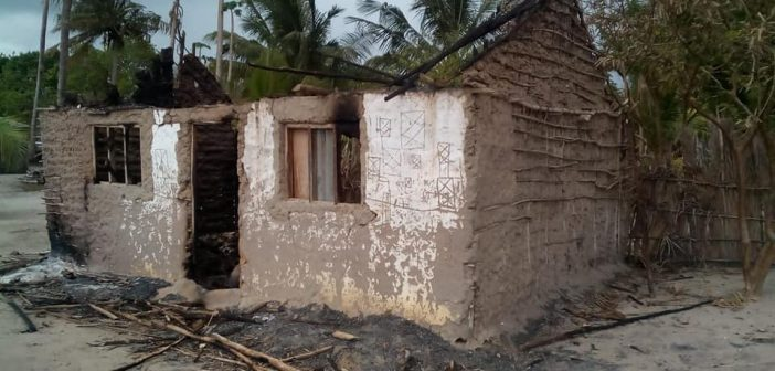 A burned out house in the village of Miando, Cabo Delgado. Photo via Pinnacle News