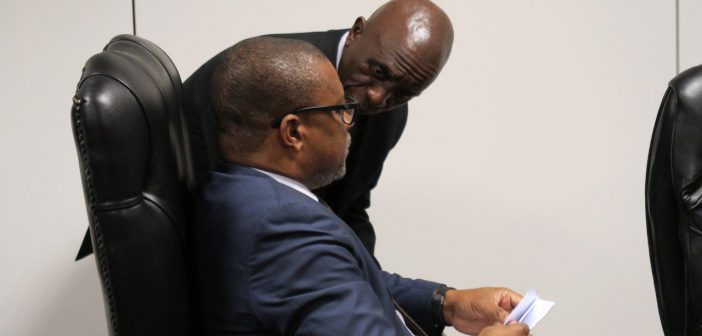 INP chairman Carlos Zacarias with MIREME minister Max Tonela (seated) at the signing of Sasol's 5th round EPCC contract in Maputo, 18 October 2018. Photo © Alexandre Nhampossa / Zitamar News