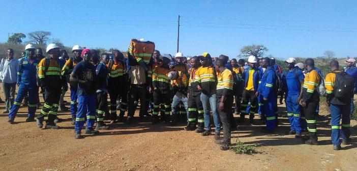 Striking employees of Black Gold Resources, contracted to mine coal for ICVL. Photo © Fungai Caetano / Zitamar News