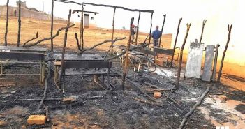 A burned polling station in Maniamba, Lago district, Niassa. Photo: CIP