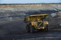 Truck transports coal in Vale's Moatize coal mine. Photo: Marcelo Coelho/ Vale