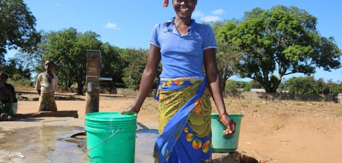 Isolation tents and mobile water stations: adapting WHO advice to Mozambique